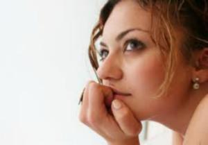 woman-wondering-750